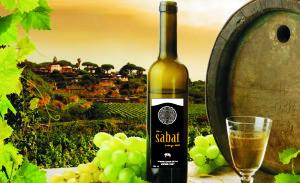wino sabat z beczką